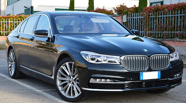 Rent a Bmw 730 7 series in Italy