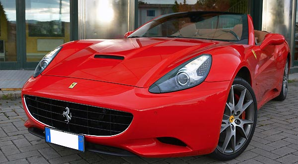 Exotic car rental special price in Naples Italy